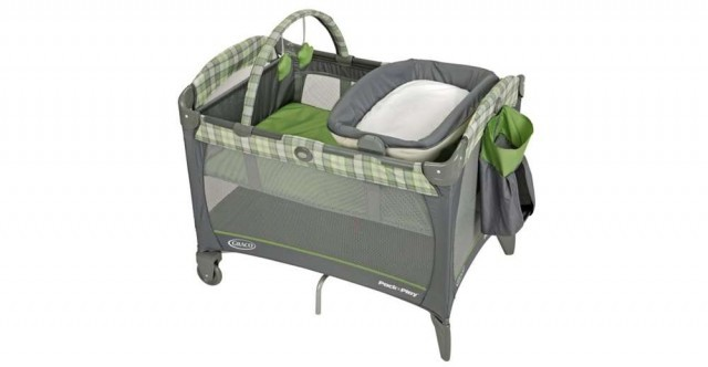 Graco Pack N Play Playard W Canopy Bassinet Amp Changer